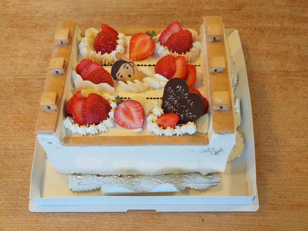 プールのショートケーキ